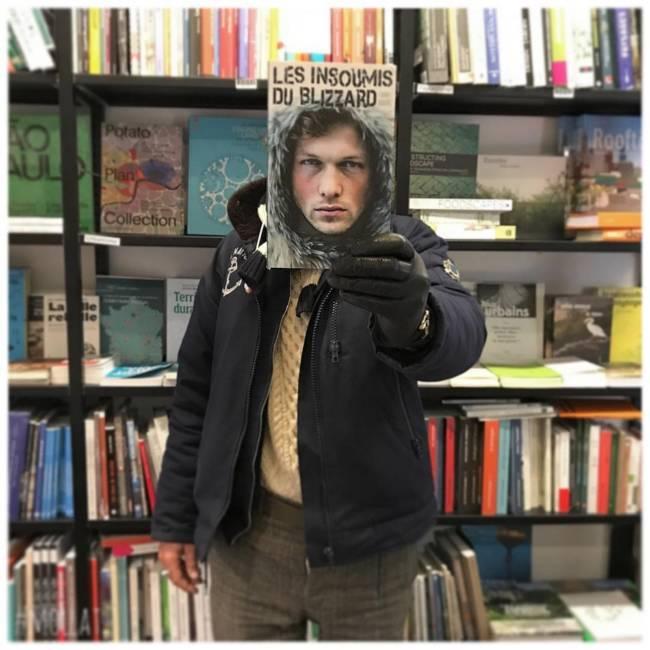 Когда скучно в библиотеке (смешная фотоподборка)